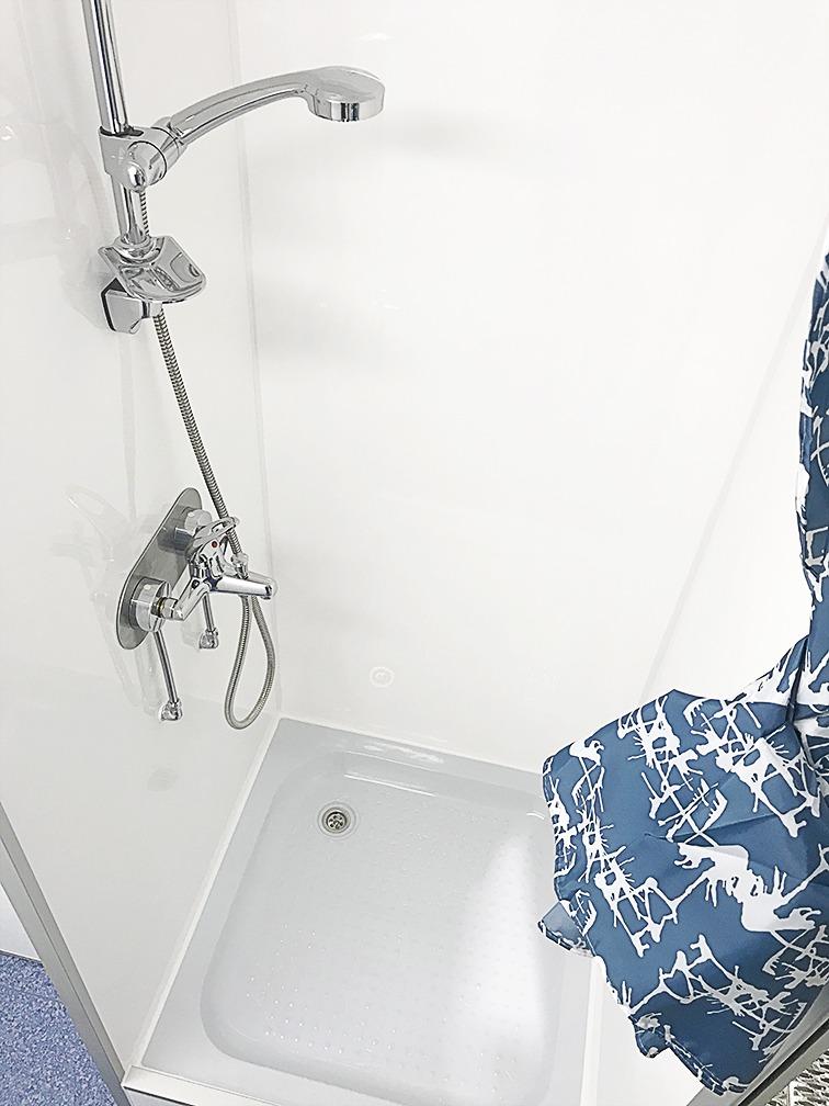WC- ja dušihaagis 3PSHWF-R